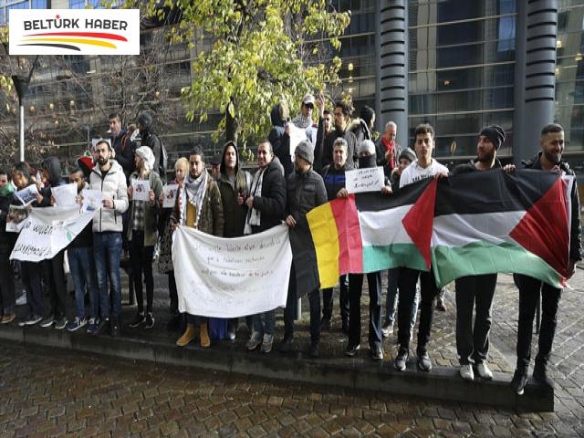Brüksel'de Filistinli sığınmacılardan gösteri