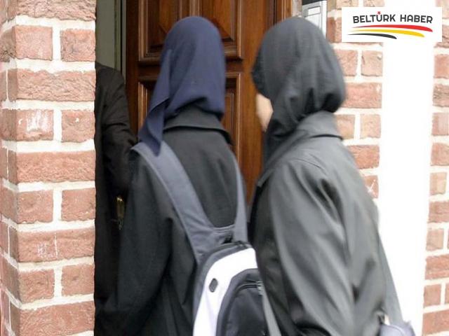 Belçika'da temyiz mahkemesi başörtüsü yasağını kaldıran kararı bozdu