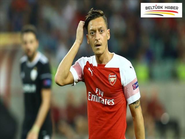 Mesut Özil, PES oyunlarının Çin'deki sürümlerinden çıkarılıyor