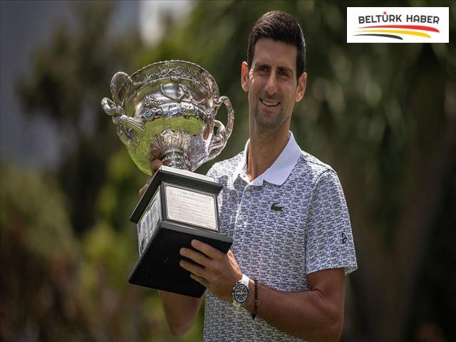 Avustralya Açık'ta Djokovic'in bileği bükülmüyor
