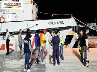 Open Arms gemisindeki göçmenler 5 AB ülkesine dağıtılacak