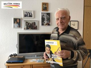 Kayserili aşık vatan hasretini türkülere döktü