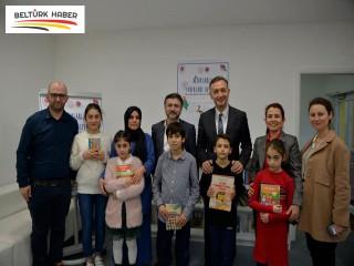 Büyükelçi Gümrükçü, Türkçe Kütüphane Köşesi'ni Açtı