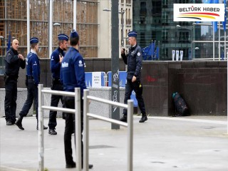 AB Komisyonu binasının önünde şüpheli çanta paniği